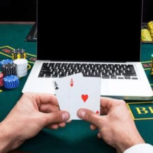 Keuntungan Gabung Forum Poker Online Indonesia