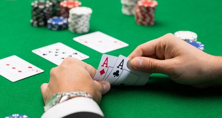 5 Tips Bermain Judi Poker Online